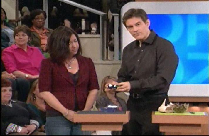 Dr Oz holding baoding balls