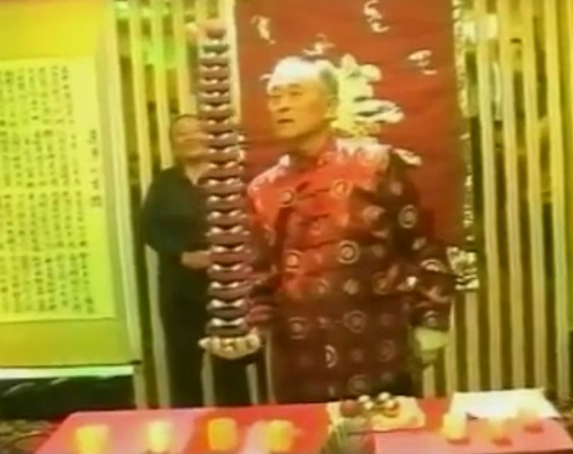 Lil Zhanchun spinning 80 balls for his 80th birthday